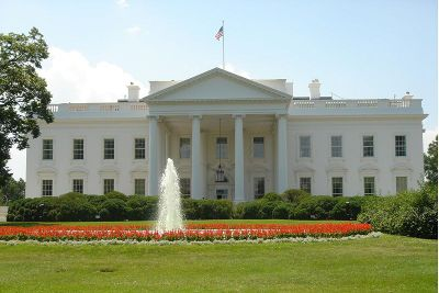 North_faade_white_house_2